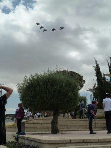 Parade des avions au dessus de la Knesset